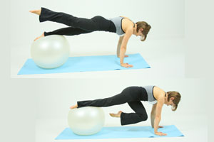 Ball Single Leg Crunch